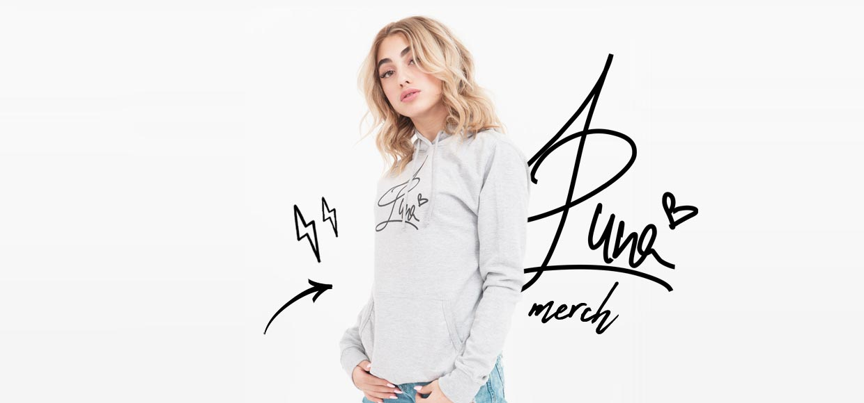 Luna Farina - Singer presents her own merchandise!