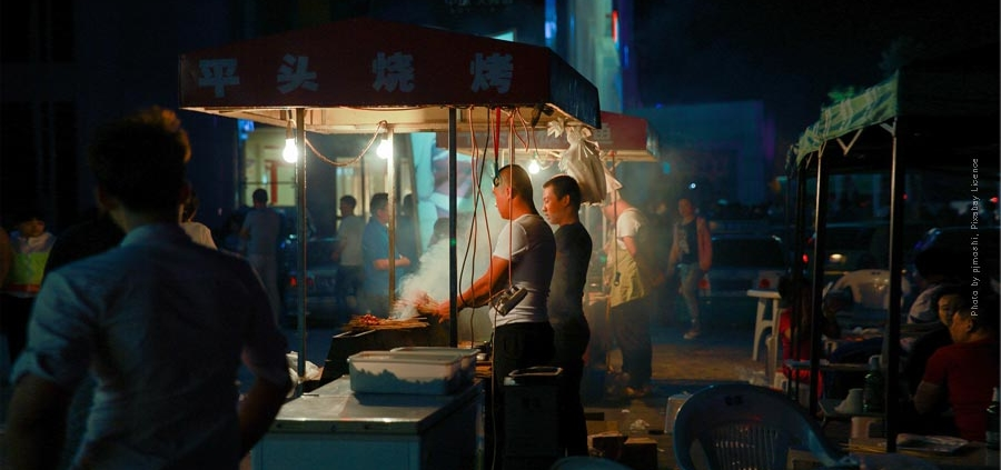 Hong Kong and surroundings - discover the tropical metropolis