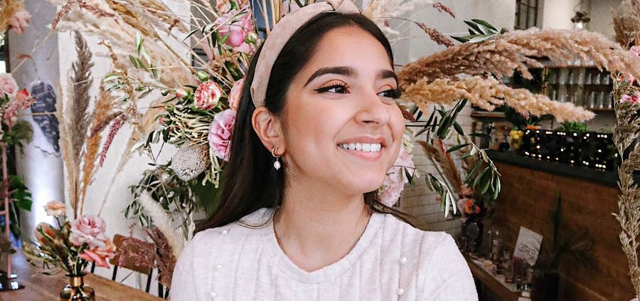 Make-up tips, relationship and cooking - Influencer Sanny Kaur in an interview with FIV