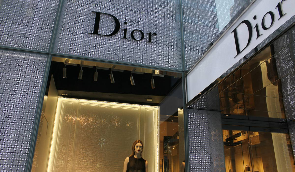 Dior - stunning collections and exclusive runway highlights