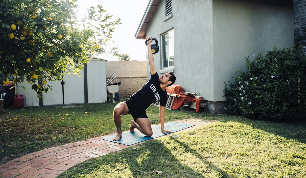 Workouts for at home: Tips for beginners & exercises without equipment