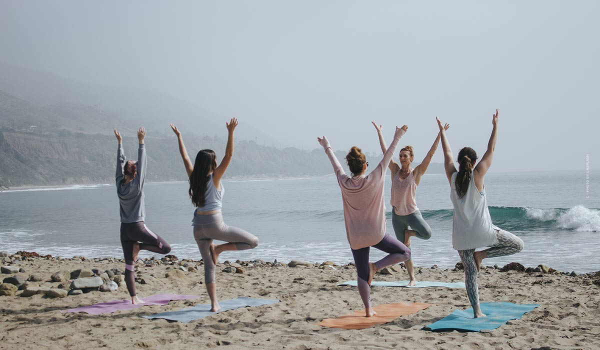 Yoga: exercises for beginners, basic knowledge & tips from the stars - including videos to join in!