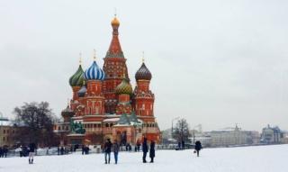 Fashion Week in Moscow: virtual model Zoe, fashion show & designer