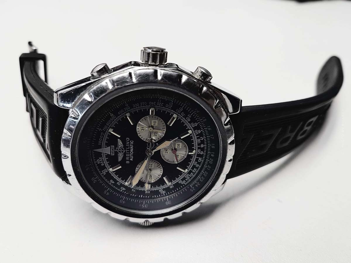 Breitling Avenger: Prices of the luxury stainless steel pilot watch