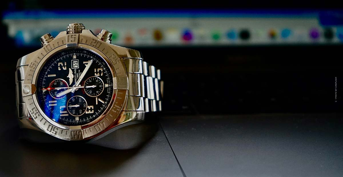 Breitling Aviator 8: Pilot's watches in noble red gold, titanium or stainless steel