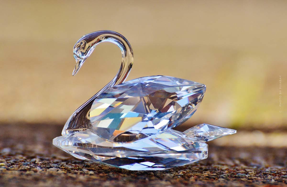 Swarovski: The jewelry manufacturer in haute couture - Prada, Chanel, McQueen