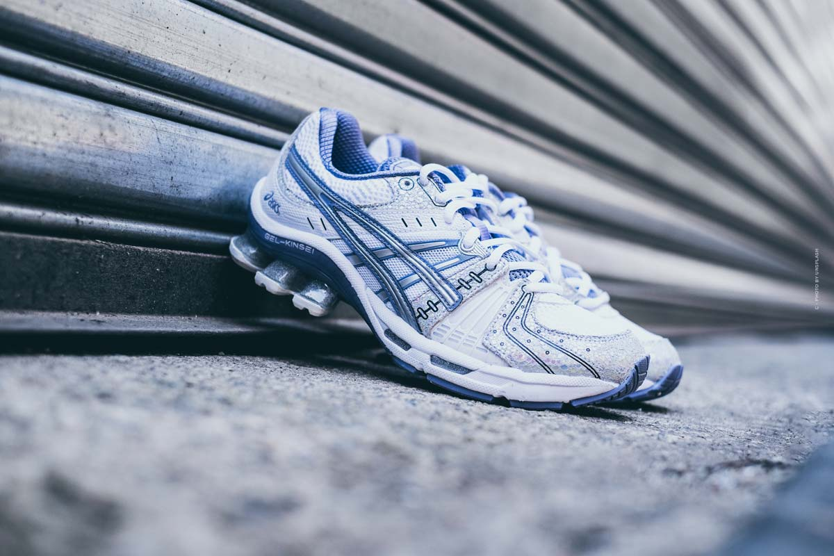 Asics: running shoes, sportswear and popular sneakers for women & men