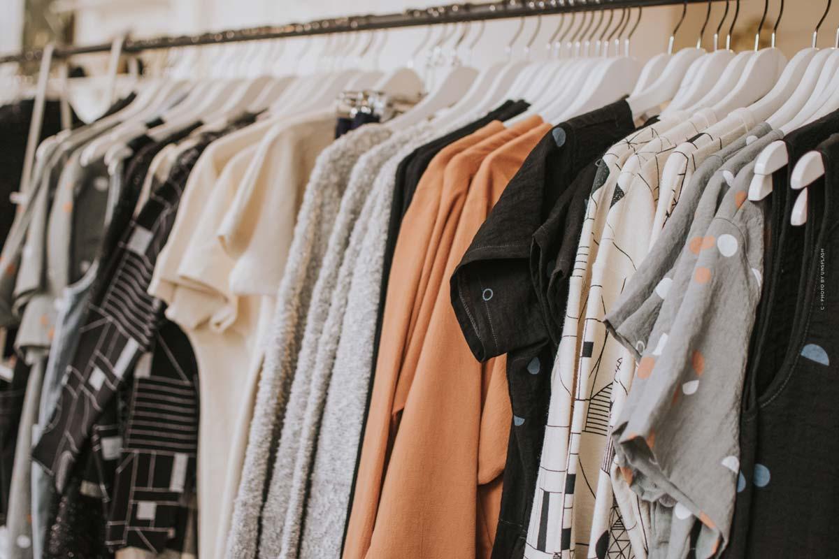 ASOS: Between Highfashion & Streetstyle - Prom dress, sweatpants & designer bag