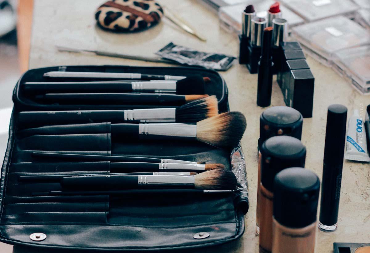 Givenchy: royal perfumes, radiant make-up & campaigns with stars