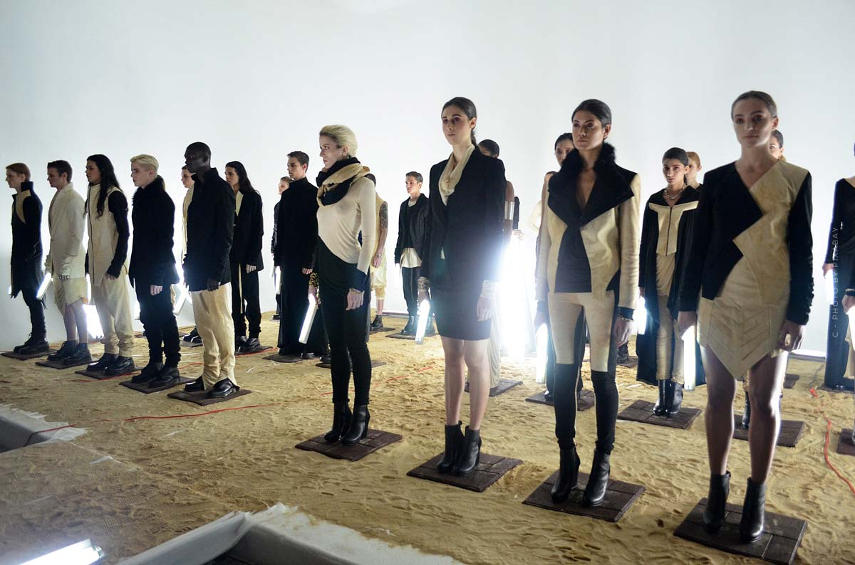 Alexander Wang: jeans, sweaters, shoes and accessories for the ultimate casual look