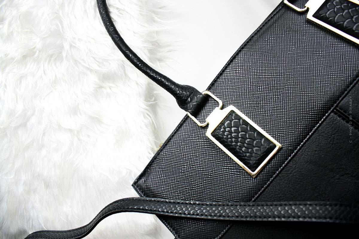 Bottega Veneta bags: Intrecciato fabric, nappa leather and chain details