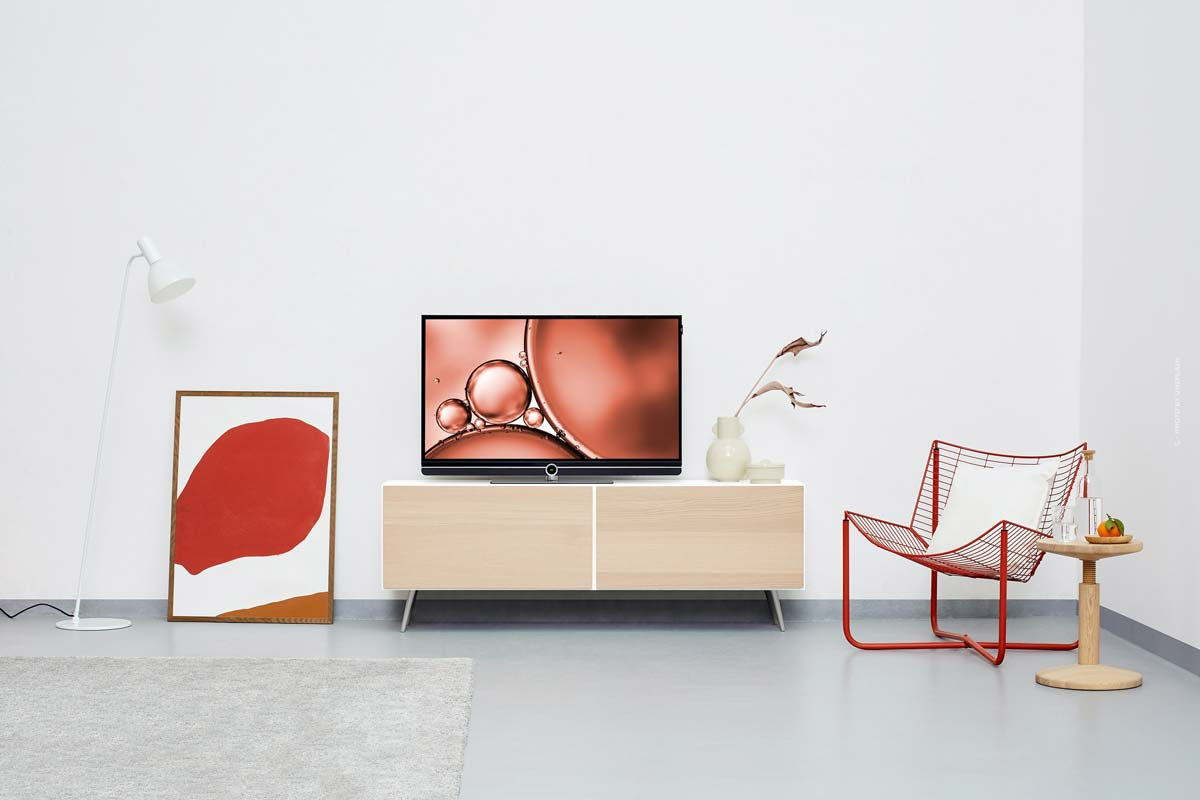 Kartell Interior: minimalist lamps, sofas, furniture & colourful chairs from Italy