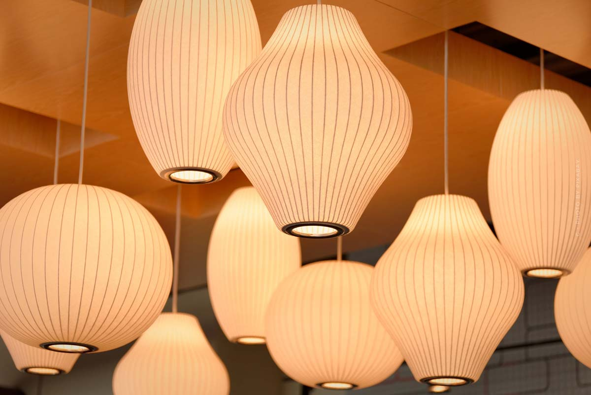 Moooi Interior: luxurious lamps, wallpapers and carpets from the Netherlands
