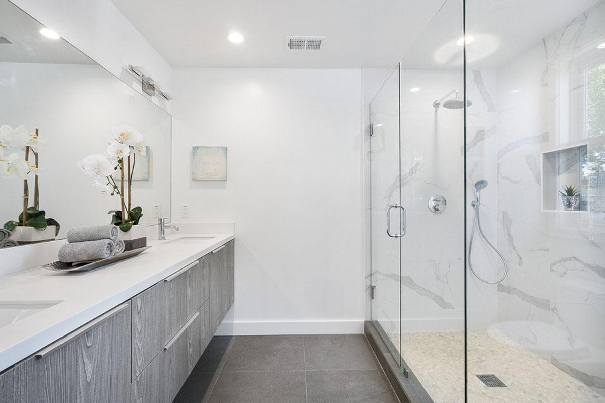 Bathroom furniture: washbasins, bathtubs, sets and more for the perfect bathroom furnishing