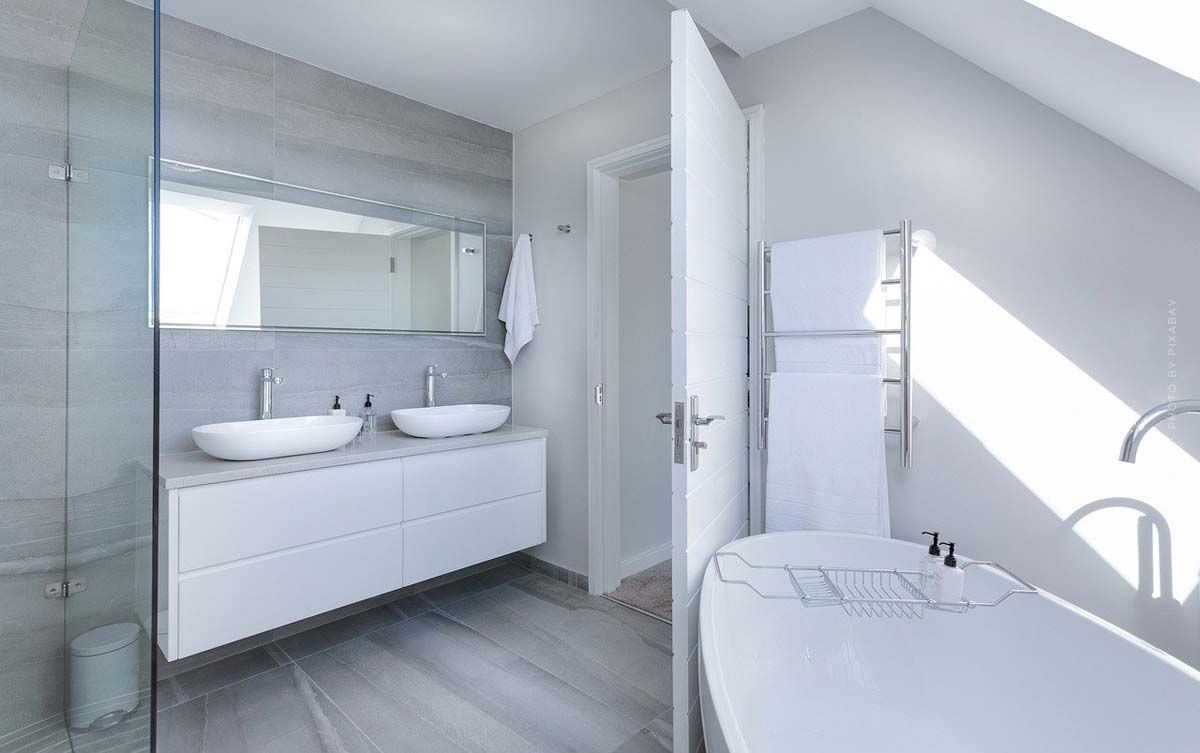 Bathroom Furnishings: Furniture, Mirrors, Colors & Accessories - From Planning to Decorating Finishes