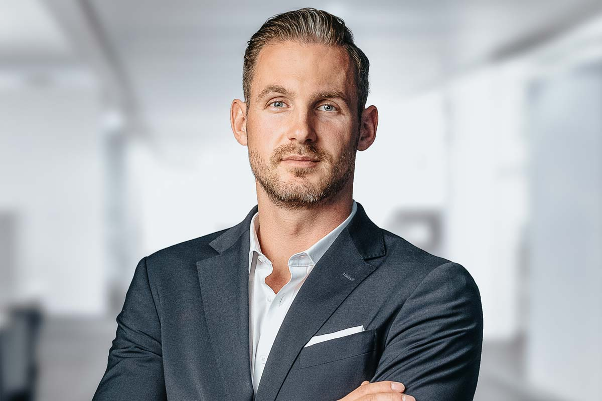 Real estate agent interview Hamburg: Thorben Andrich about buying real estate, costs and popular districts in Hamburg