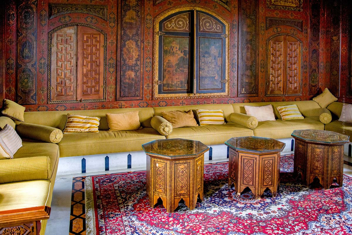 Oriental furnishings: Living like in 1001 Nights - Furniture, Cushions and Deco with the Oriental Touch