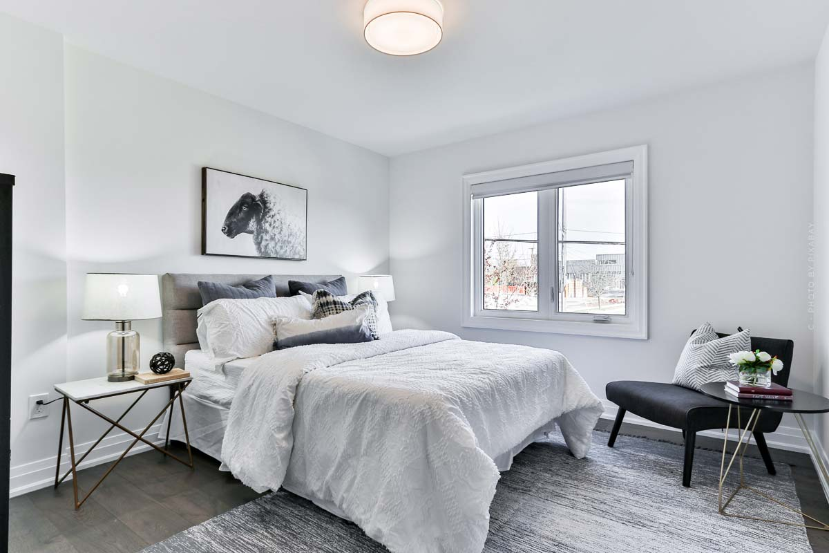Bedroom Furnishings: Furnishing ideas, design options and tips for furniture and decorative items.