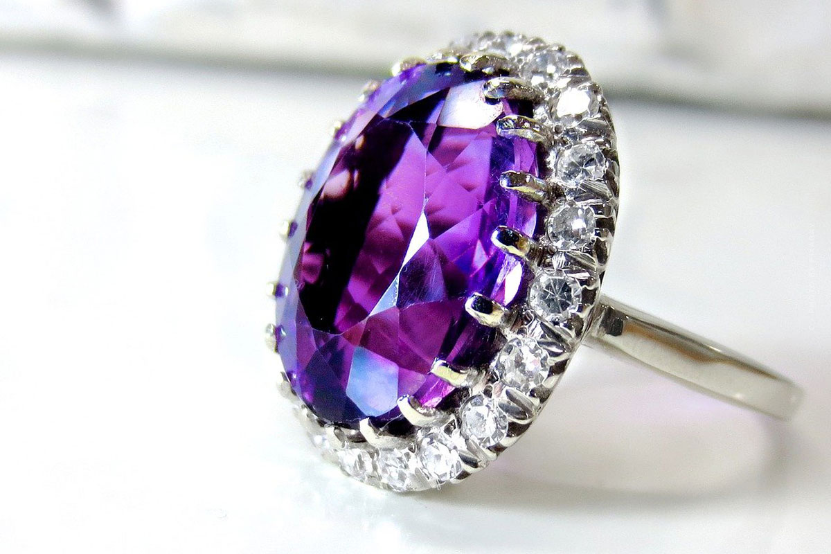 Buying Amethyst: Value, Color, Price & Jewelry - Investment Gemstone