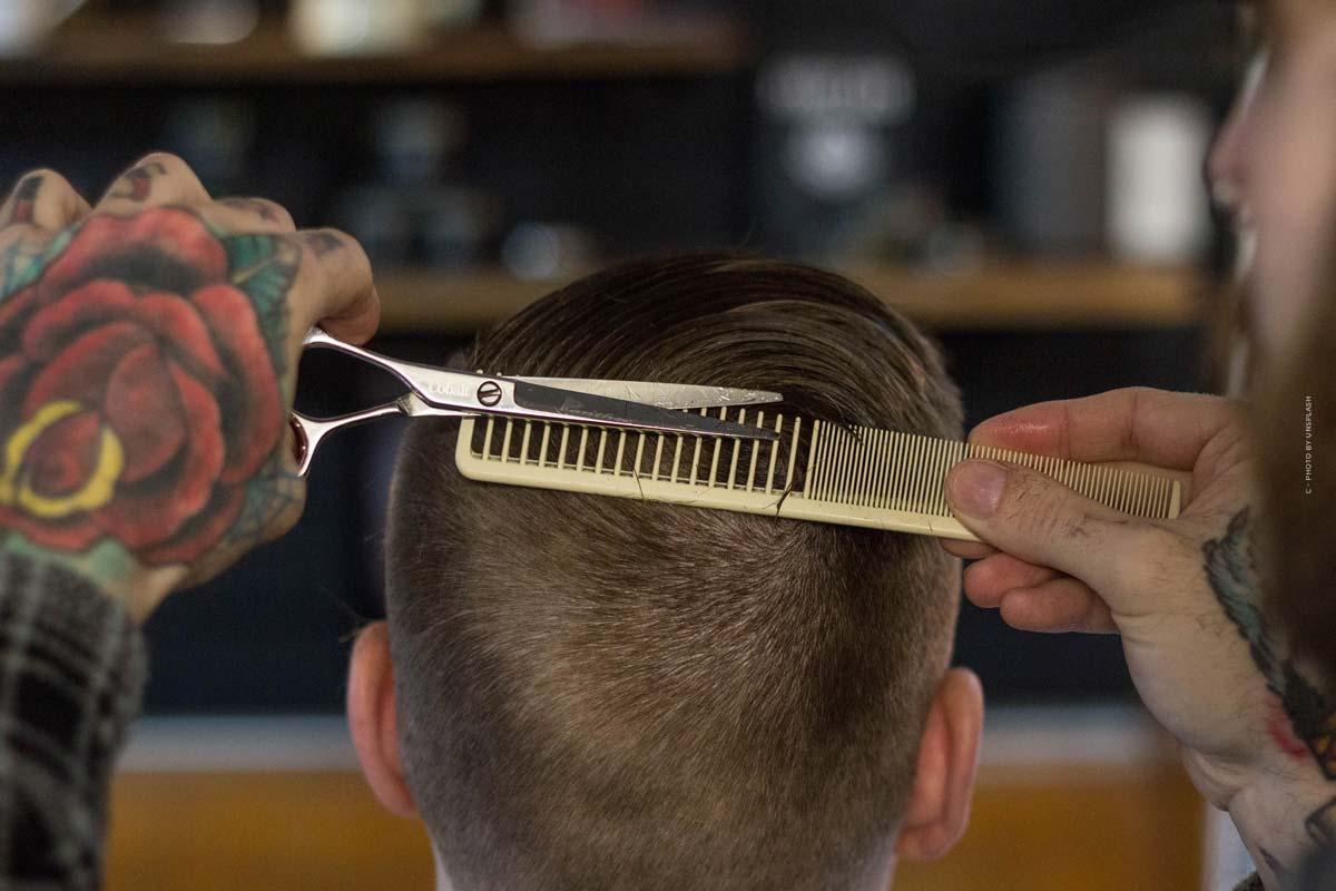 Cutting hair at home: Machine, scissors & Co.