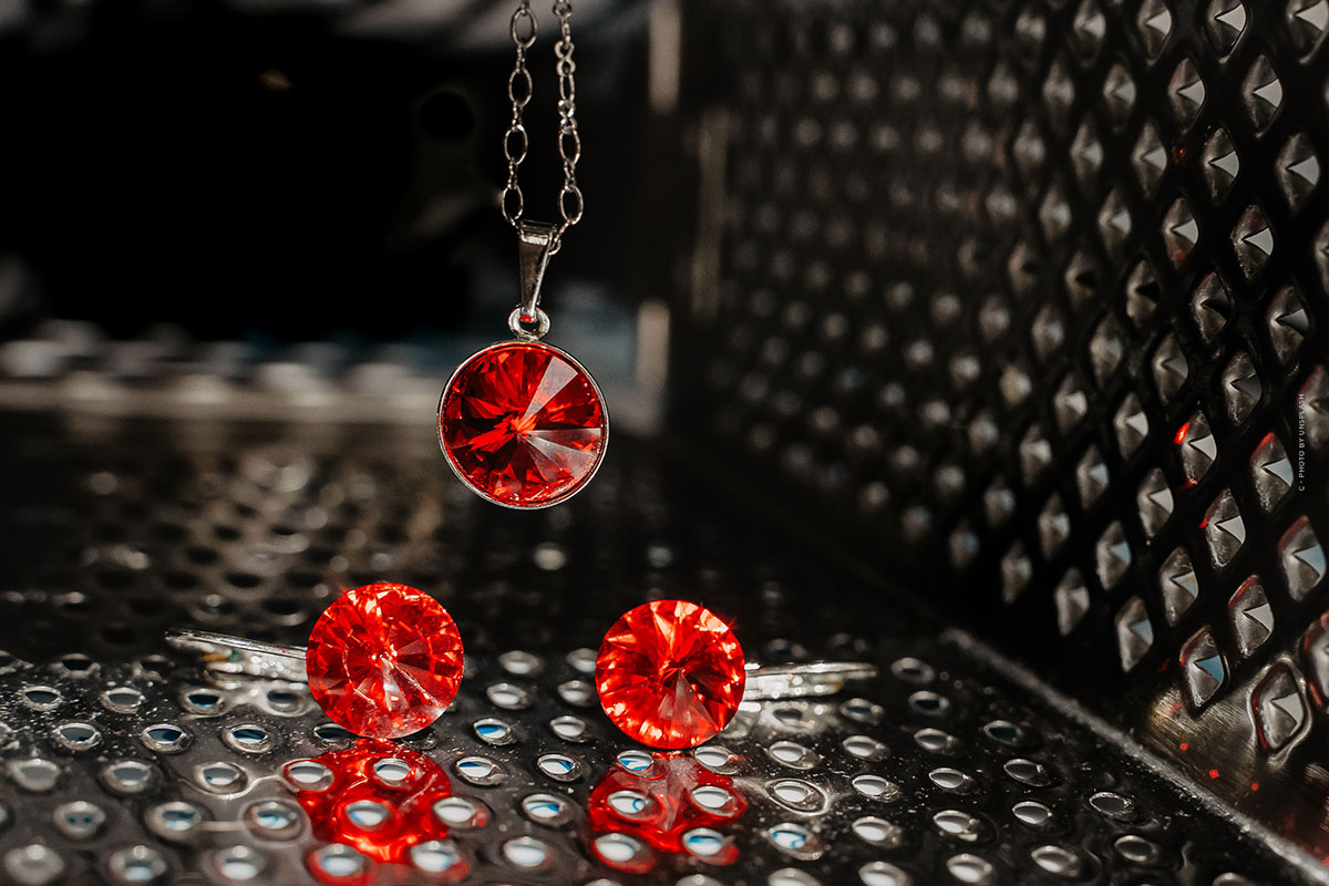 Buy Ruby: Value, color, jewelry and quality characteristics - Investment Gemstone