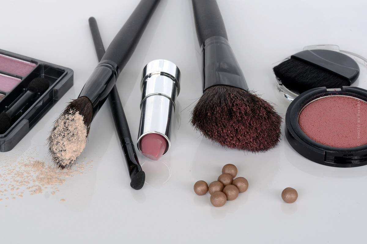 Make-up: Primer, foundation, care- styled for every occasion
