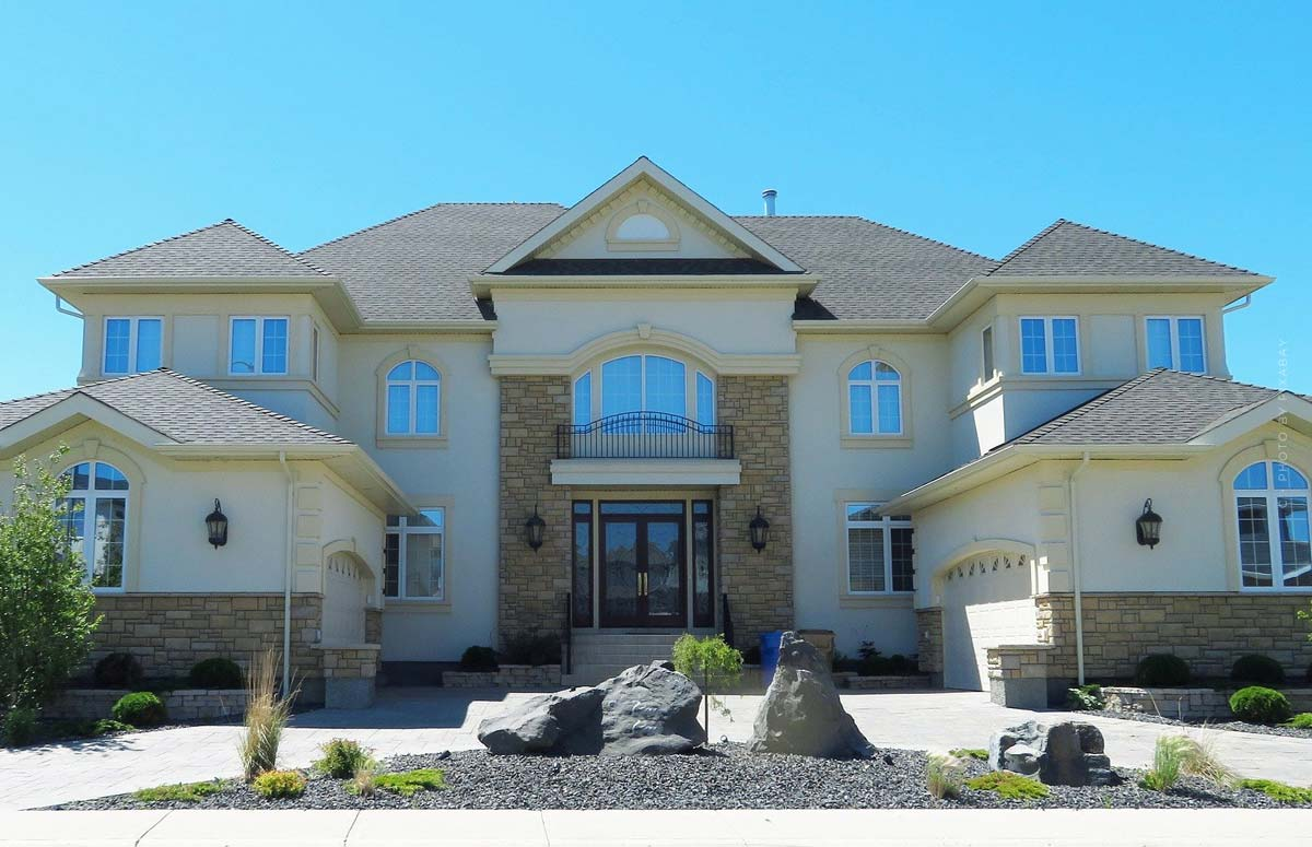 Real estate XXL: financing, broker, sale, rent, build & more - Guidebook
